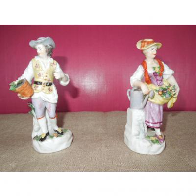 Paire De Statuettes  Porcelaine  De Paris - Samson
