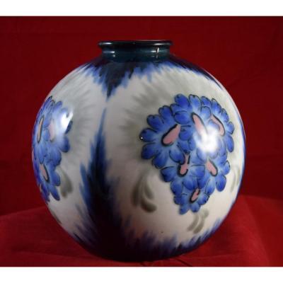 Vase boule de Camille.Tharaud,porcelaine de Limoges,décor de L. Rav,