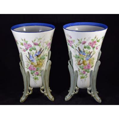 Paire de vases en porcelaine de Paris , décor aux oiseaux , 19ème