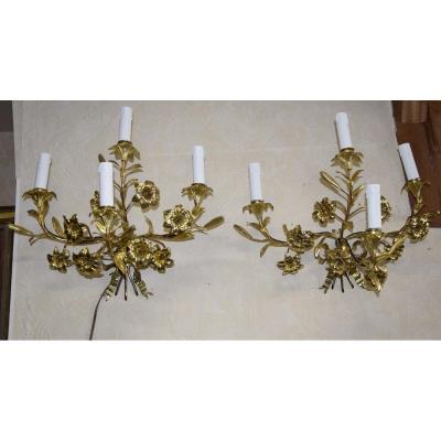 Paire d'appliques en bronze doré, décor de noeud de rubans et fleurs, fin XIXème .
