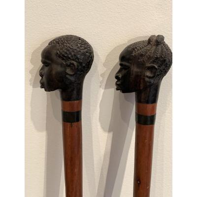 Deux Cannes Africanistes En Bois Sculpté Travail Colonial Des Années 50