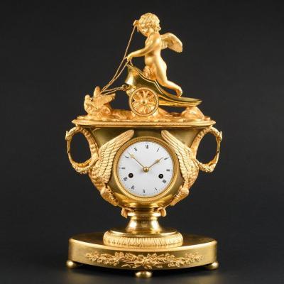 Exceptionnelle Pendule Vase Empire Avec Eros Dans Un Char