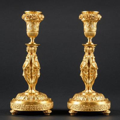 Rare Paire De Bougeoirs Louis XVI Avec Cariatides D'après Un Modèle De Jean-démosthène Dugourc