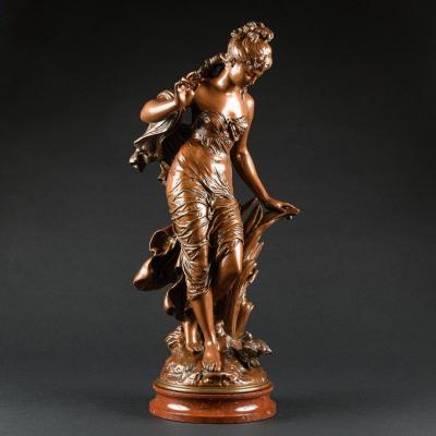 """Captivante Sculpture Française En Bronze """"jeune Femme À L'oiseau"""" Signée Auguste Moreau"""