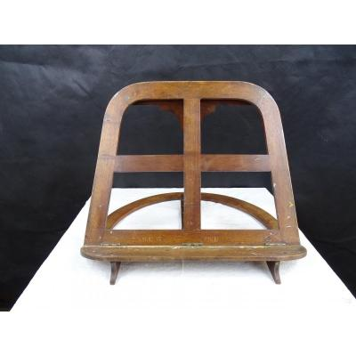 Folding Table Easel In Walnut For Painter From The 19th Century