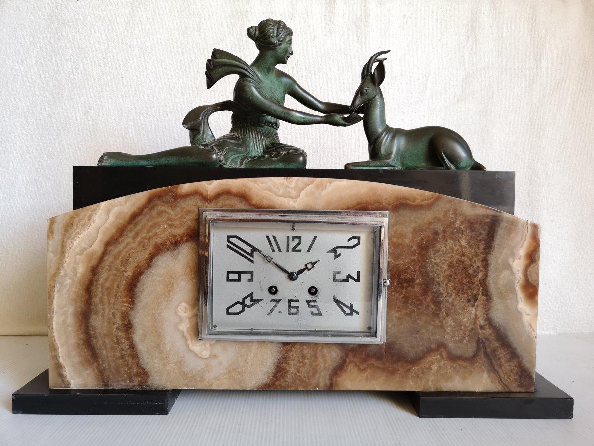 Lavroff G. Sculpteur Russe Art Deco Pendule Femme Et Gazelle