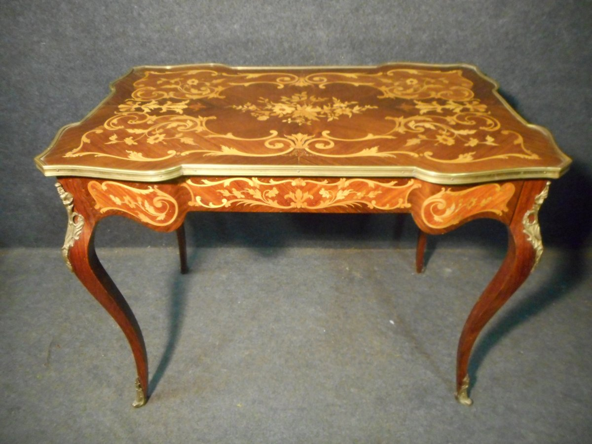 Curved Woman's Desk In Marquetry And Gilt Bronze Napoleon III Period