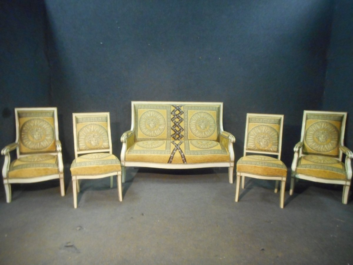 Lacquered And Gilded Living Room Set Late Nineteenth Century