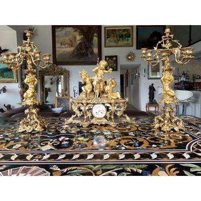 """Importante Garniture De Cheminée En Bronze Doré d'époque Napoléon III"""