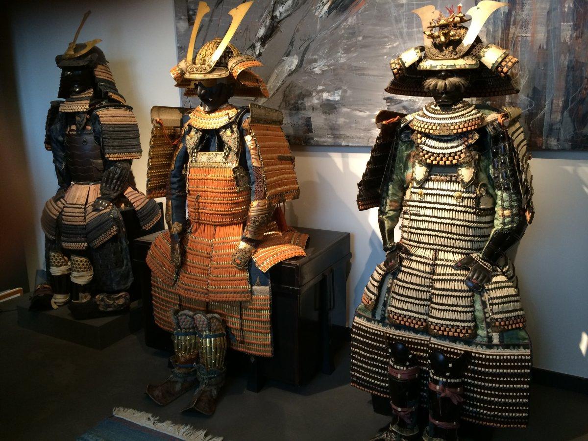 art-antiques-et-armour-diapo-1
