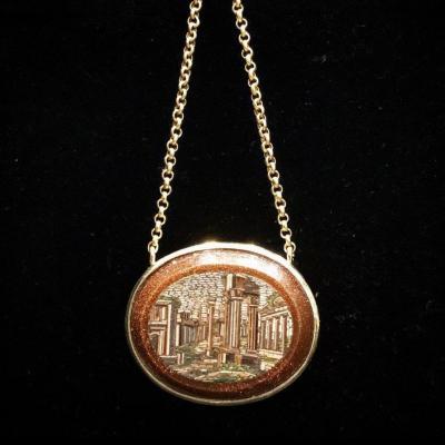 Pendentif en micro mosaïque, or et verre aventuriné, les colonnes d'Hadrien, fin 19ème