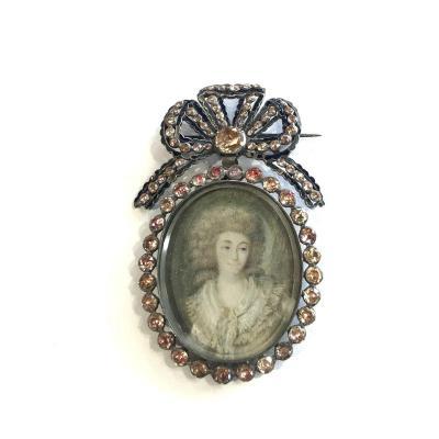 Broche ancienne en argent, miniature, émail et pierres sur paillon, milieu 19ème