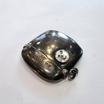 Boîte d'allumettes en argent, chien en cristal d'Essex, Cohen & Charles, Angleterre 19ème