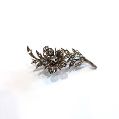 Broche Trembleuse en or et argent, diamants taille rose, motif de fleur, milieu 19ème