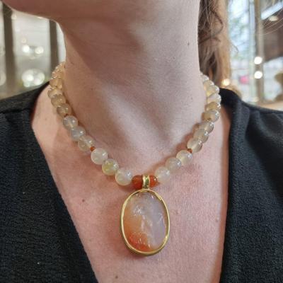 Collier En Perles De Calcédoine Et Intaille En Cornaline, Or Jaune 18k