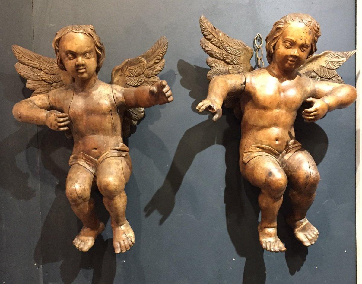 Paire d'Angelots En Noyer Sculpté d'époque XVIIIème