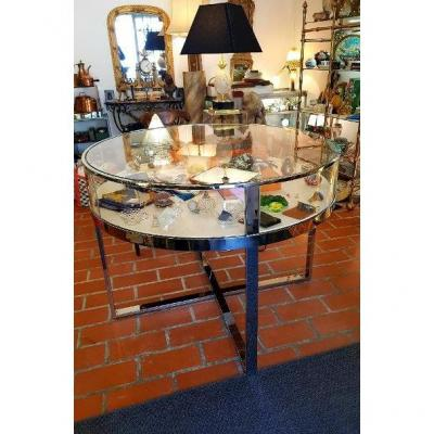 Round Table Showcase With Curved Polished Mirror Glass