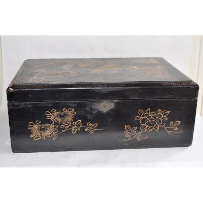 19 Th Lacquered Writing Case - Japan