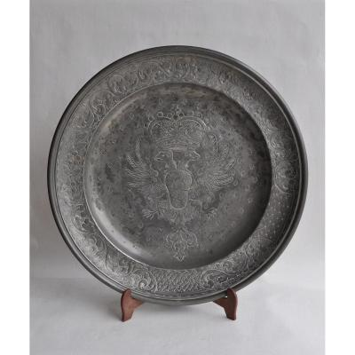 Large Pewter Dish With Coat Of Arms Decor - Early 19th