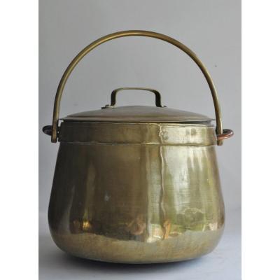 Cauldron Covered In Yellow Copper - Circa 1800