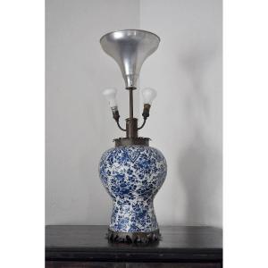 Vase Monté En Lampe En Faïence De Delft Circa 1700