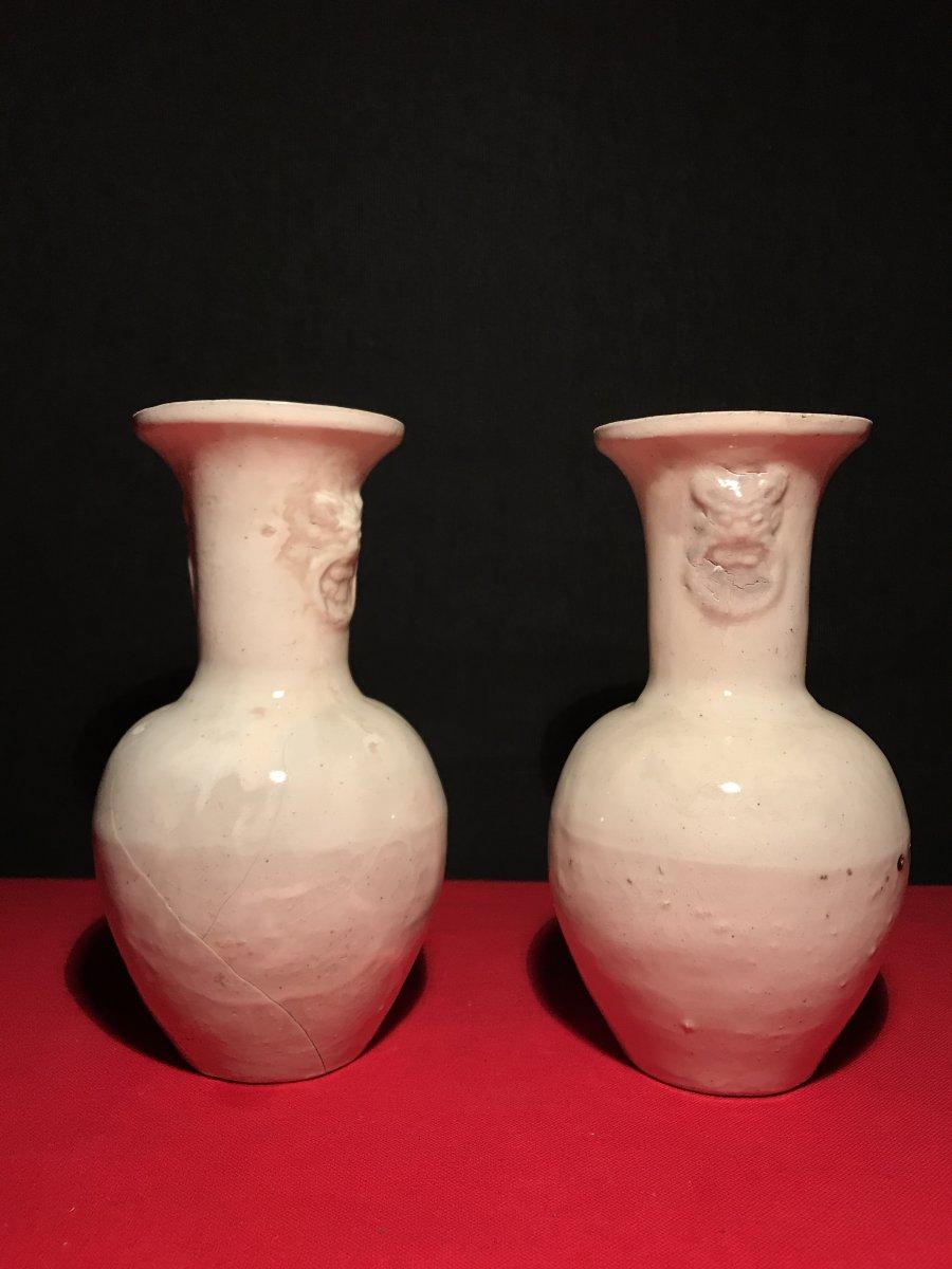 Paire De Vase En Grès A Glaçure Blanche, Chine époque Song(960-1279)