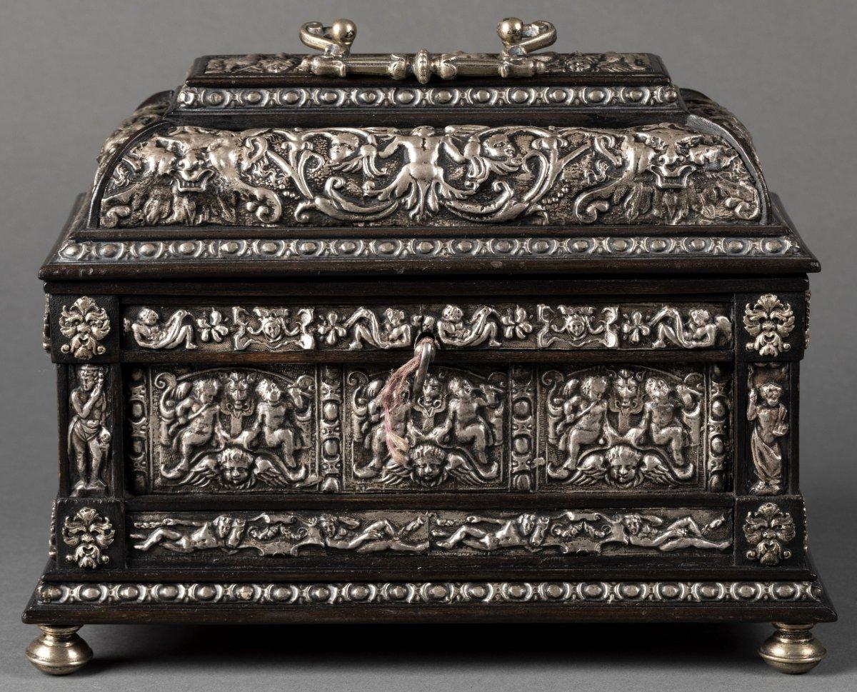 Coffret en bois noirci et métal argenté à décor Renaissance-photo-2
