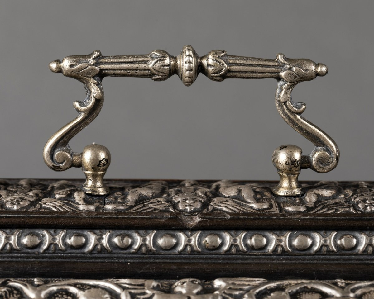 Coffret en bois noirci et métal argenté à décor Renaissance-photo-5