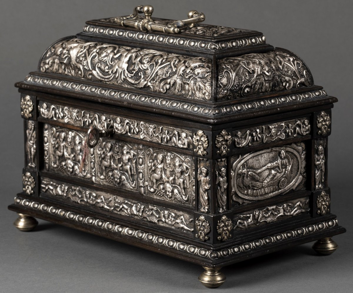 Casket In Blackened Wood And Silver Metal With Renaissance Decor