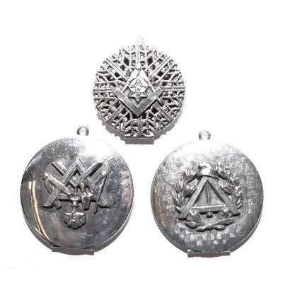 Freemasonry, Three Medallions