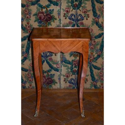 Table A écrire En Bois De Rose époque Louis XV