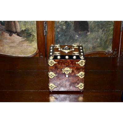 Cigar Humidor In Amboyna Napoleon III