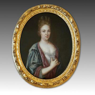 Mid-18th Oval French Painting Portrait Noblewomen