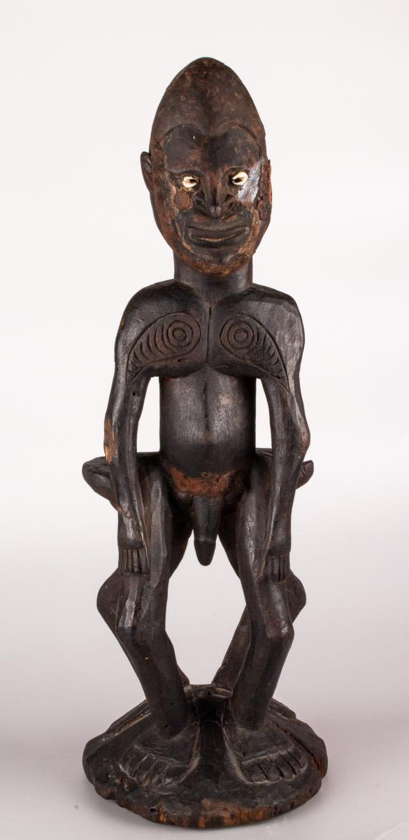 Sculpture Masculine Anthropomorphe En Bois - Papouasie Moyen Sépik