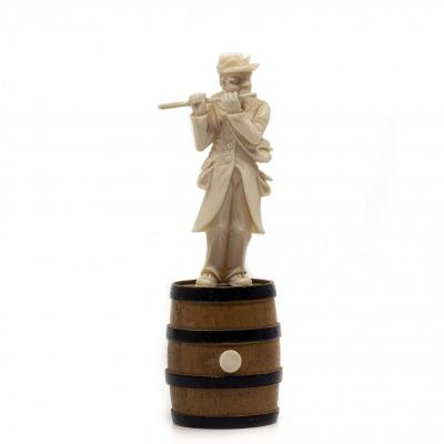 Small Ivory Character Holding Doubtless A Flute - France, Dieppe (19th Century)