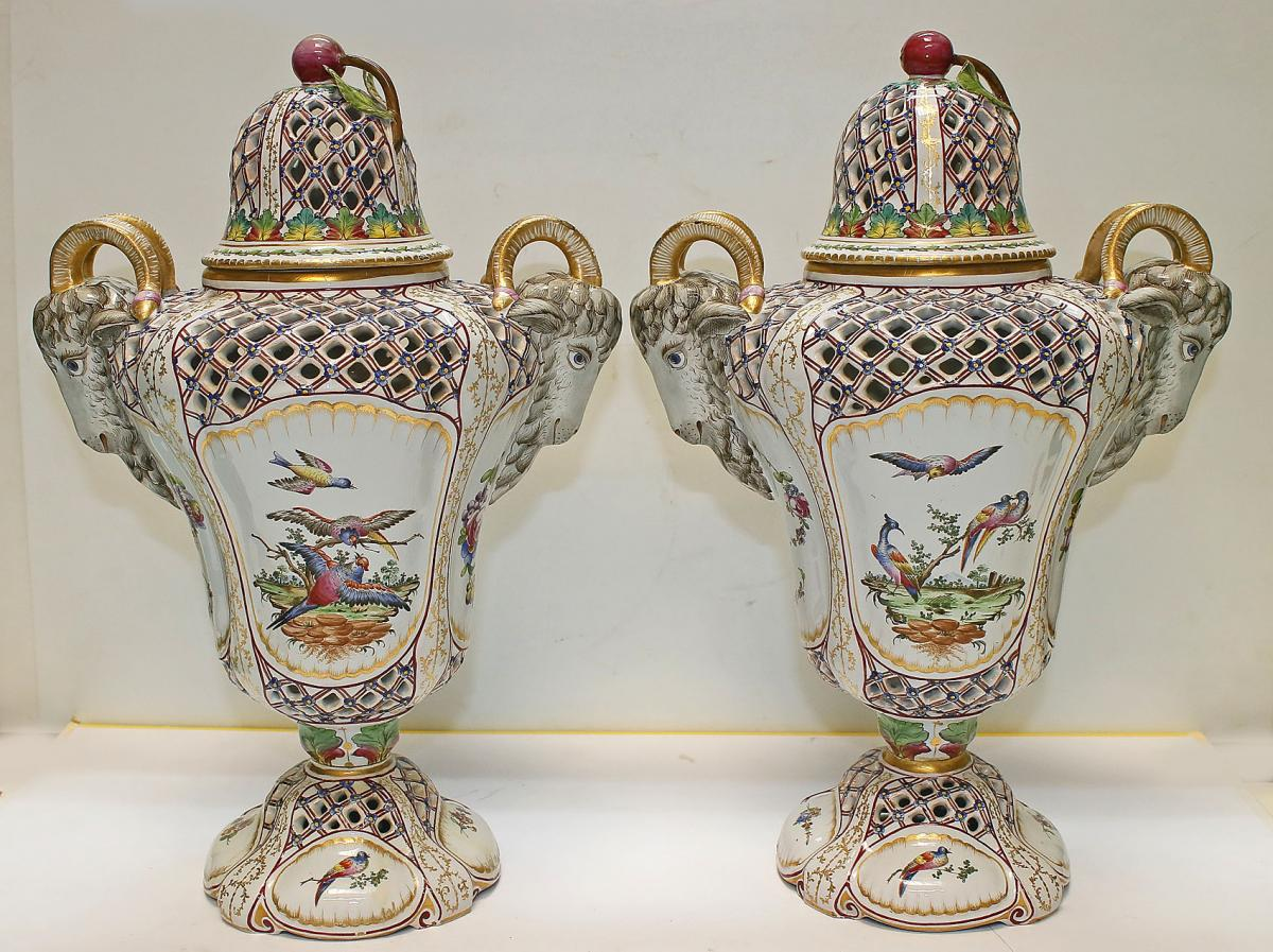 Pair Of Pots-pourris In Earthenware 19th