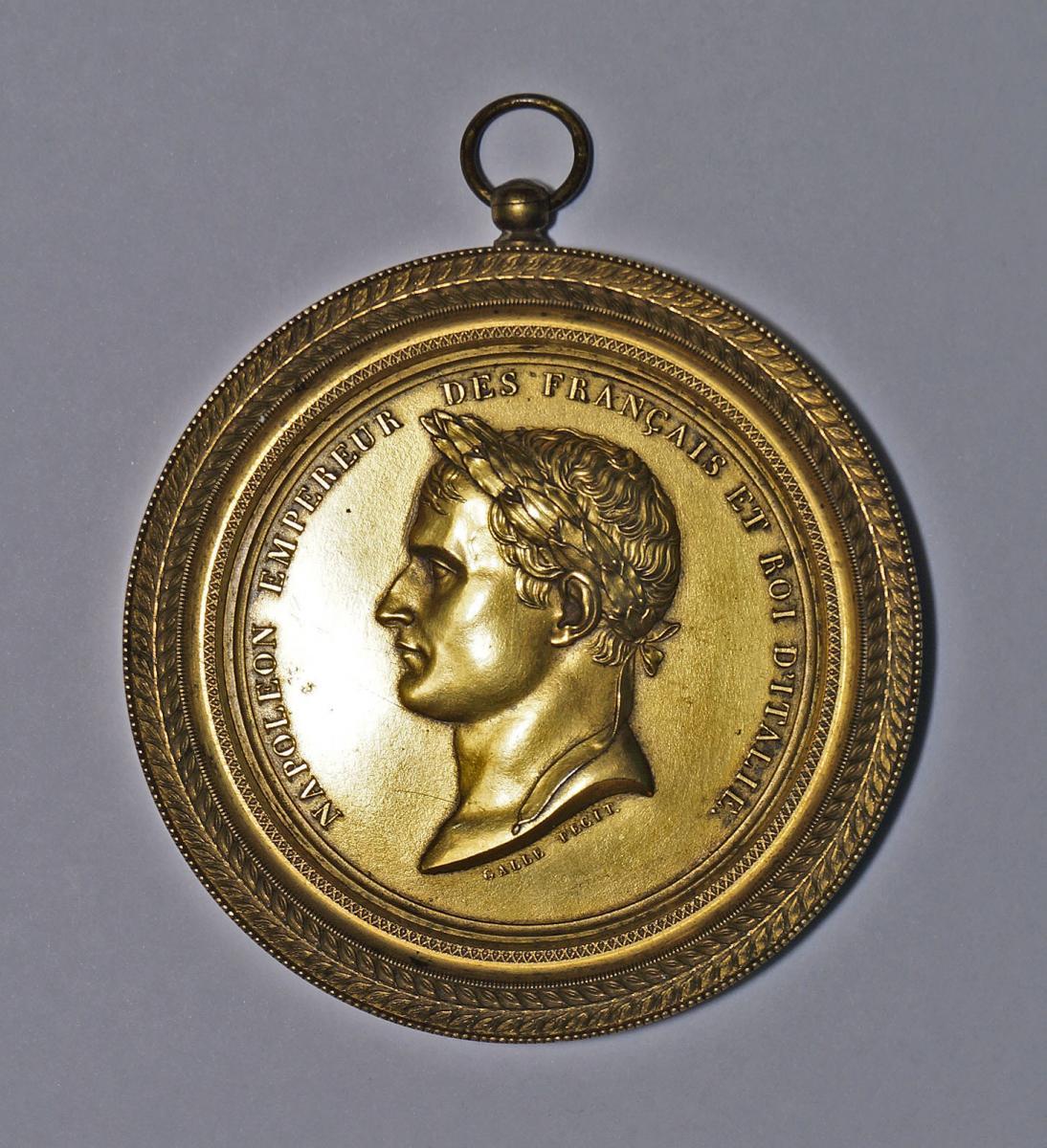 Médaillon En Bronze Doré éditée Lors Du Sacre De Napoléon