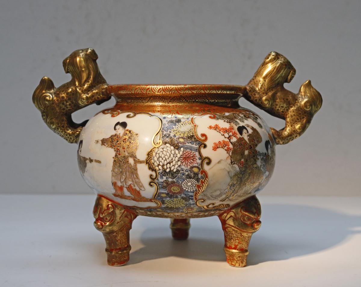 Kutani Japan Porcelain Tripod Vase Late 19th-photo-3
