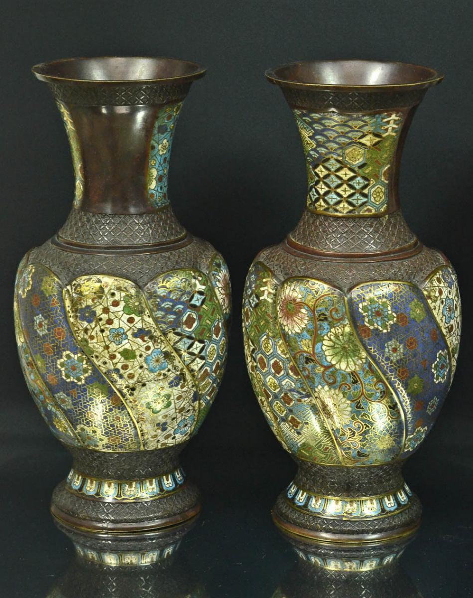 Paire De Grands Vases Chinois En Bronze Cloisonnés 19 ème