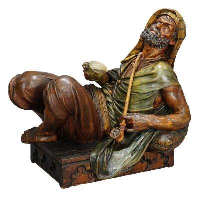 Une Grande Sculpture Arabe Sculptée Avec Café Et Pipe, Vienne Ca. 1900