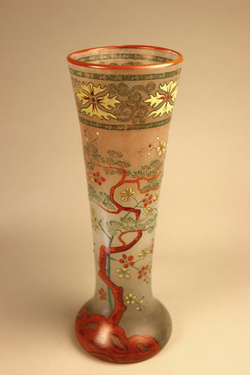 Vase Cornet émaillé 1900
