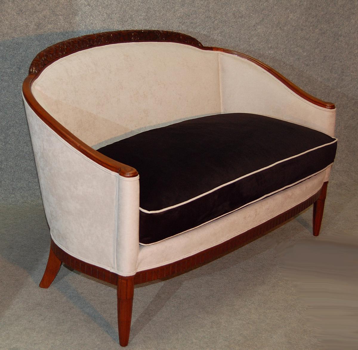 paul follot paire de canap s art d co en acajou banquettes canap s. Black Bedroom Furniture Sets. Home Design Ideas