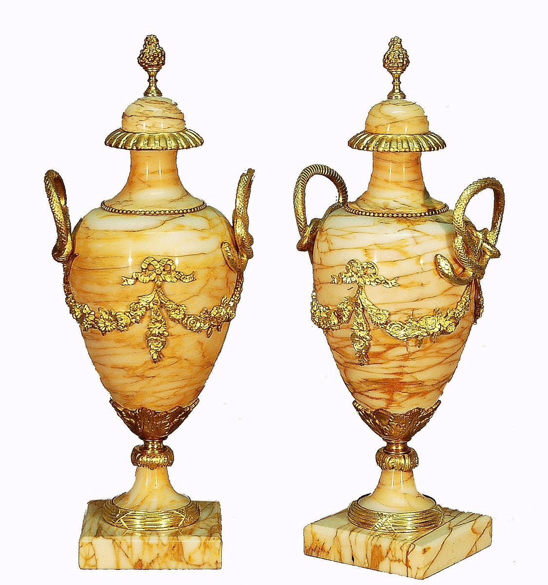 Important Pair Of Covered Vases Decorated With Snakes In Gilt Bronze And Yellow Marble