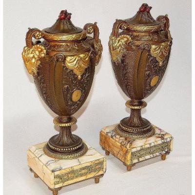 Paire De Vases Aux Têtes De Bélier Fin XIXe Siècle