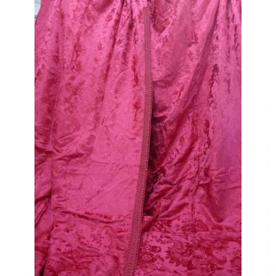 Pair Of Long Curtains In Red Silk Damascus Late Nineteenth,