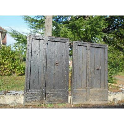2 Paires de Portes d'entrée anciennes,  XVIIème, en chêne