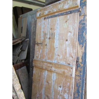 Porte ancienne  en résineux. XVIIIème
