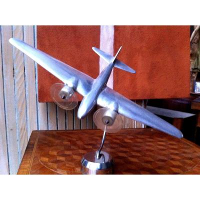 Avion d'époque Art Déco