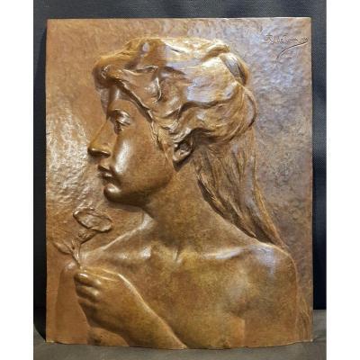Portrait De Femme, Bas Relief En Bronze - Alphonse De Tombay