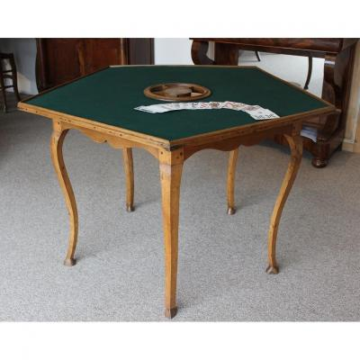 Table To Three Of A Kind Game